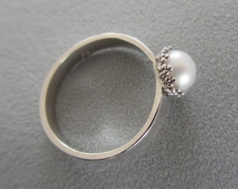 Sterling silver White Pearl ring - Stacking fresh water Ring