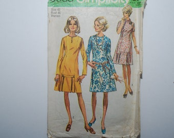 Sale 25% off enter coupon code CLEARANCE Vintage  Simplicity Dress Pattern 6849 Size 42 Bust 44