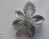 Silvertone Vintage Sarah Coventry Shiny Leaf Brooch and Clip On Earring Set