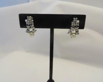 Vintage Silvertone Rhinestone and Pearl Small Screw Back Earrings