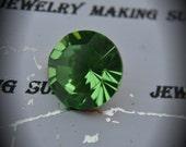 1 Pair 14mm Genuine Swarovski Crystals Peridot Rhinestones Round Brillion Art 1102
