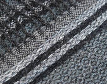 30%DISCOUNT/Handwoven Black & Gray Wool Pattern Scarf  - Dark Fringed Scarf - Unisex Scarf - Handwoven by Handloom - Unique - Useful