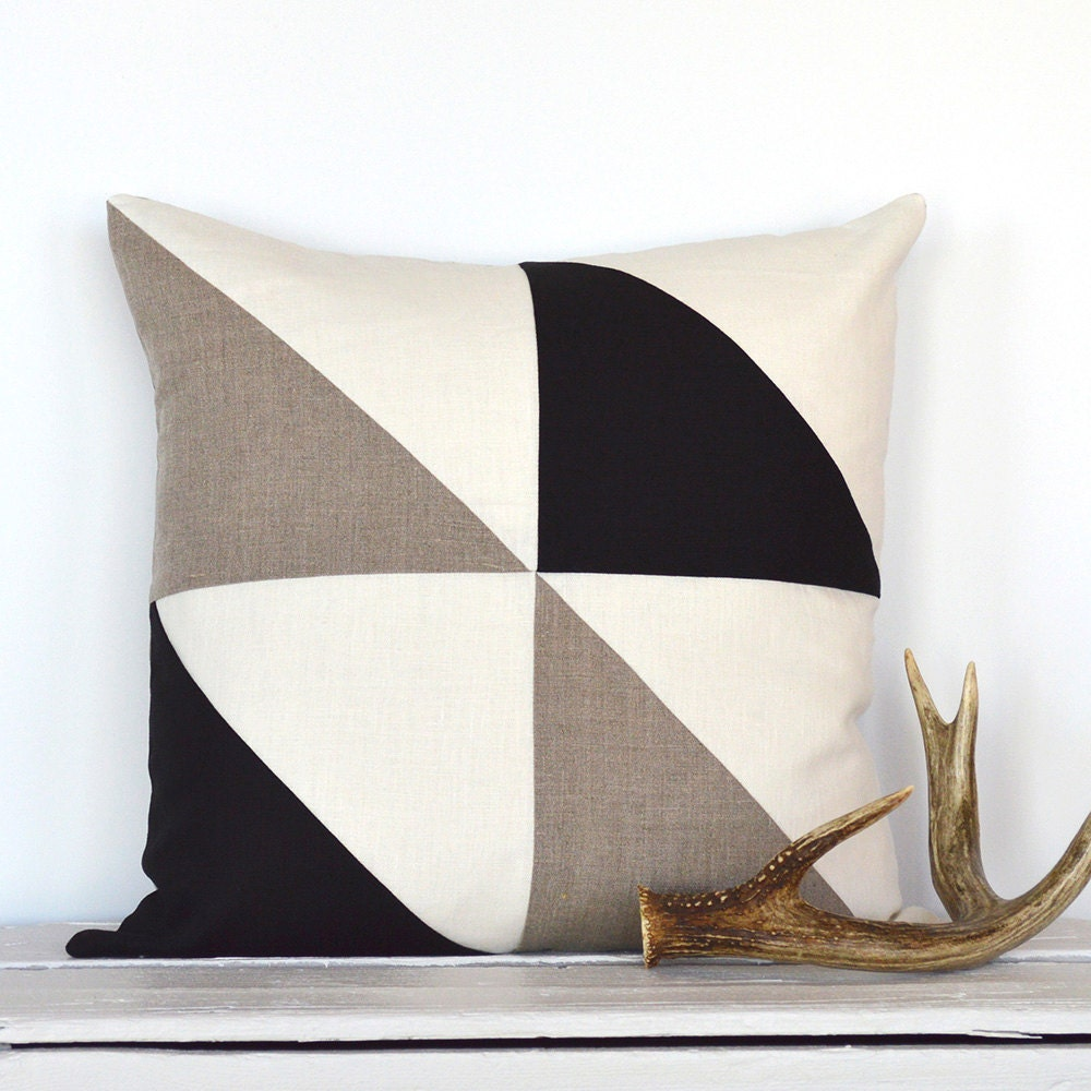 Triangle Modern Colorblock Pillow Cover Black / Natural