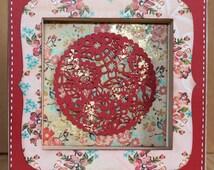 Petit tableau rouge - Fleurs et Rosace