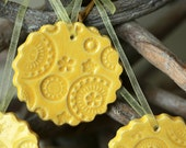 Ceramic Christmas Ornaments Yellow Lace Ceramic  Winter Home Decoration Gift Set of 3 - Ceraminic