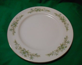 """One (1), 10 1/4"""" Porcelain Dinner Plate, from Creative Manor, in the Garlands of Glory 9169 Pattern."""