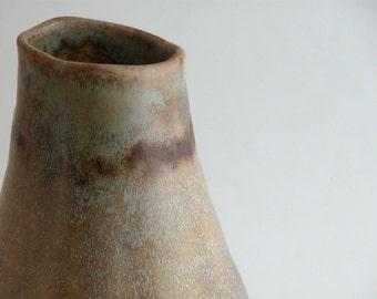 tawny speckled bud vase