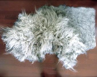 "Wool Fleece Felted Rug/ Carpet in Organic Shape, Raw Wool Fleece 52"" x 34"" - Slow design. momoish made"