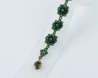 Swarovski emerald crystals bracelet (B10019)