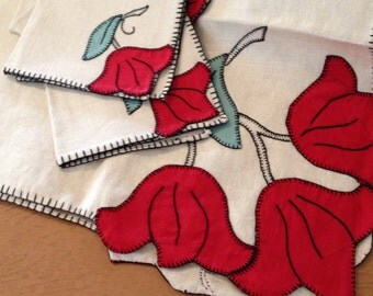 Vintage NOS cotton red and green linen tulip table cloth and napkins square embroidered tablecloth by herminas cottage