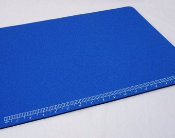 Padded 20 Inch Work Mat With Integrated Ruler