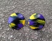 vintage 80s round earrings in purple & yellow brushstrokes. retro jewelry.
