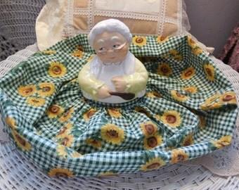 Jar Cover,Vintage Home Decor,Home Decor,Old Lady,  Vintage Old Lady  Cover For Jar  or Things :)