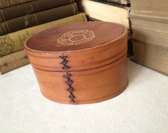 Vtg Handmade Tooled Leather Trinket Box // 1940s