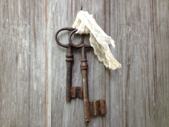 French antique 18th century iron skeleton keys by for 18th key of the door