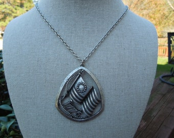 Vintage Bicentennial Necklace.  Large Pewter Pendant, with Old US Flag and 1776.