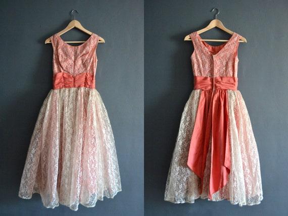 vintage lace dress / vintage 1950s dresses / pink lace dress