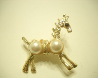 Vintage Gold Tone & Faux Pearl Horse Pin (2963)