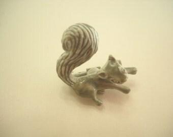 Vintage Gerry's Enamel Squirrel (6020)