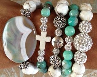 Set of 5 beaded bracelets made of high quality agate pewter, and Swarovski crystals.