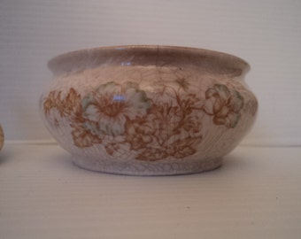 Vintage Venitian ceramic sugar bowl and lid