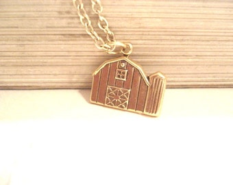 Barn Charm, Country Christmas, Country Necklace, Charm, Country Necklace, Gift Idea, Wooden Barn Charn, Wooden Barn, Country Living, Barn