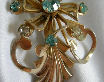 Blue Green and Clear Rhinestone Gold Tone Flower and Leaf Motif Brooch Pin - Unsigned - Vintage