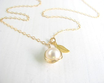 Pearl necklace, dainty gold necklace, bridesmaid necklace, bridal necklace, leaf charm necklace, wedding jewelry