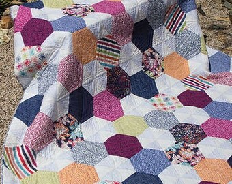 Jaybird Quilts DELIGHT Quilt Pattern -- 4 Sizes - No Y Seams! Large Hexagons Quilt Pattern Modern