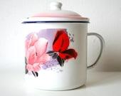 Vintage. Enamel. Jug with lid. White. Floral pattern (H112)