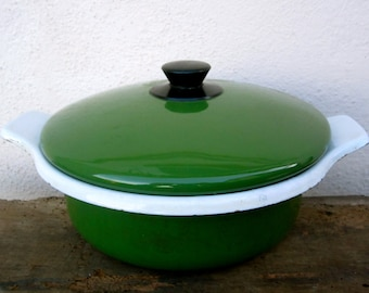 Green enamelware pan with lid, made in Italy