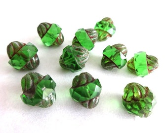 10 Emerald Green Turbine Picasso Beads