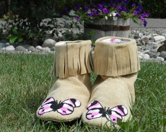 Butterfly fringed boot