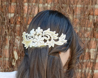 Hand-embellished Lace Crystal Bridal Comb, Bridal Ivory Gold  hair comb, Wedding hair accessories, Bridal Headpieces, Wedding Hairpiece