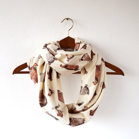 Circle scarf with pugs
