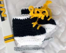 BABY HOCKEY SKATES Black with Gold Laces Soft Crocheted Booties Preemie, Newborn, 0-3 Months Gold, Pink, Red, Teal or Fuchsia Laces and More
