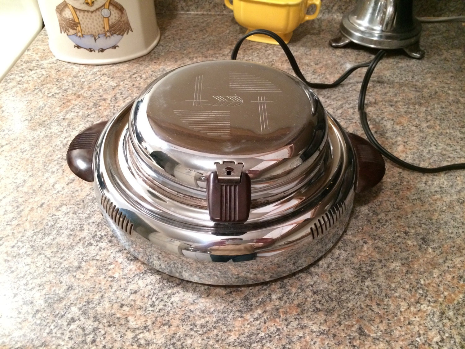 Electric Waffle Maker ~ Vintage s general electric art deco waffle maker iron
