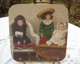 Victorian Doll Key Rack Holder Plaque w 5 Hooks