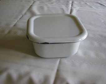 Enamelware Refrigerator Container