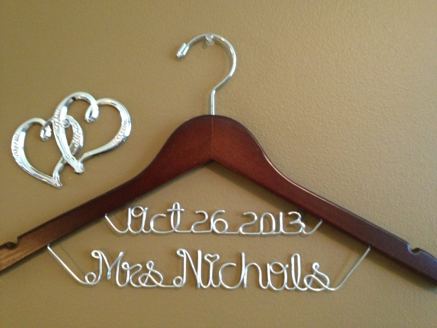 Personalized wedding hanger bridal hanger with date wedding for Personalized wedding dress hangers