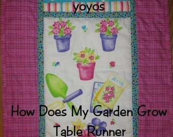 TABLE RUNNER How Does My Garden Grow Quilt Home Décor