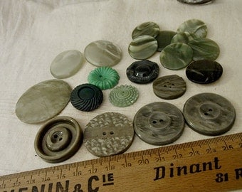 Vintage Art Deco Assorted Green Buttons x 20 - Celluloid Bakelite