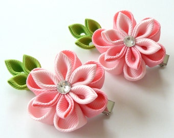 Kanzashi  Fabric Flowers. Set of 2 hair clips. Shades of pink. Pink kanzashi flowers. Pink girl hair clips.