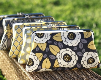 Yellow and Grey Bridesmaids Clutches / Mustard Wedding Purses / Rustic Style Bridesmaid Clutches -- Set of 5