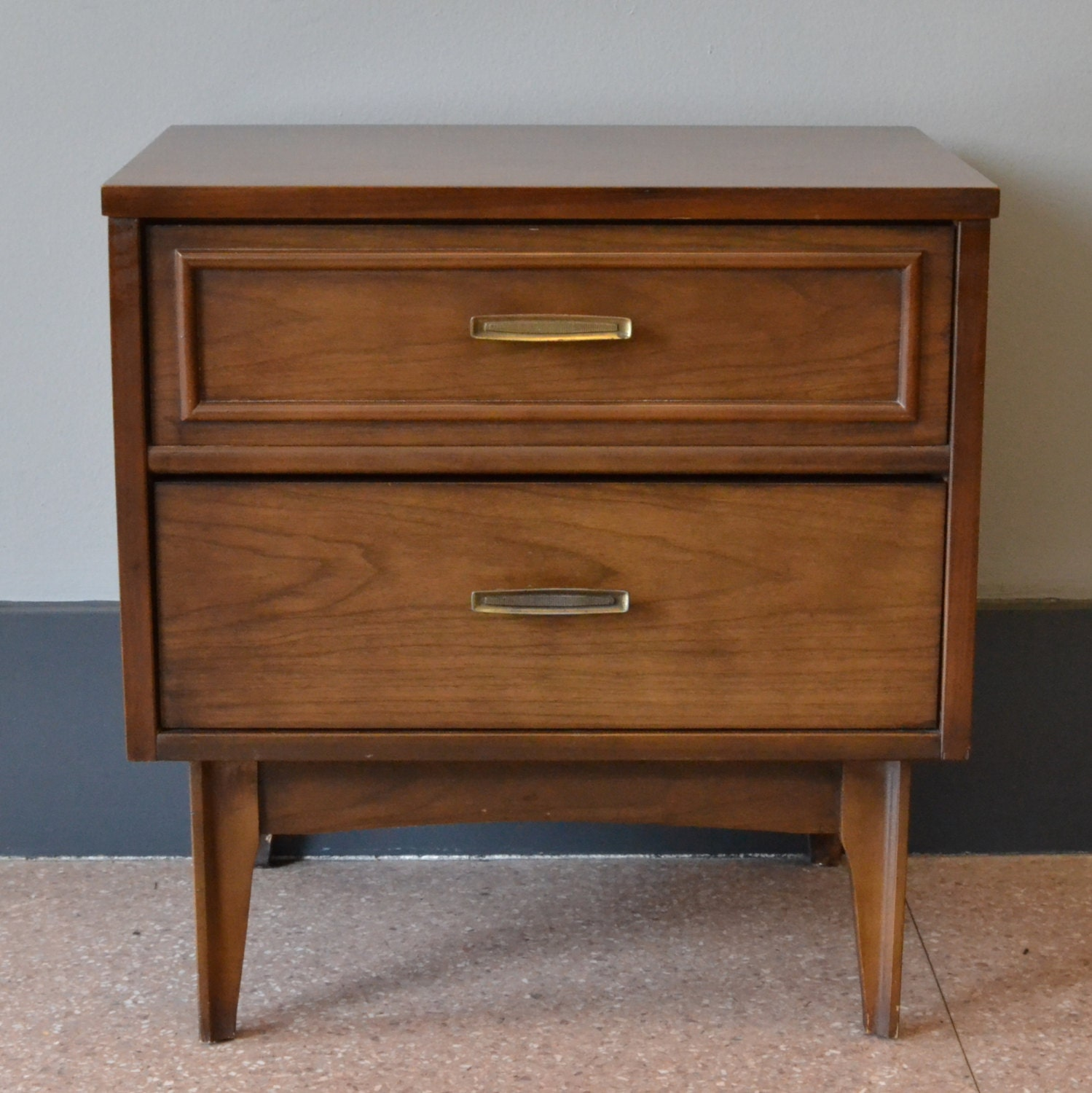 Mid Century Modern Nightstand Accent Table