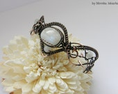 Caitlin- wire wrapped bracelet with moonstone, handmade, copper
