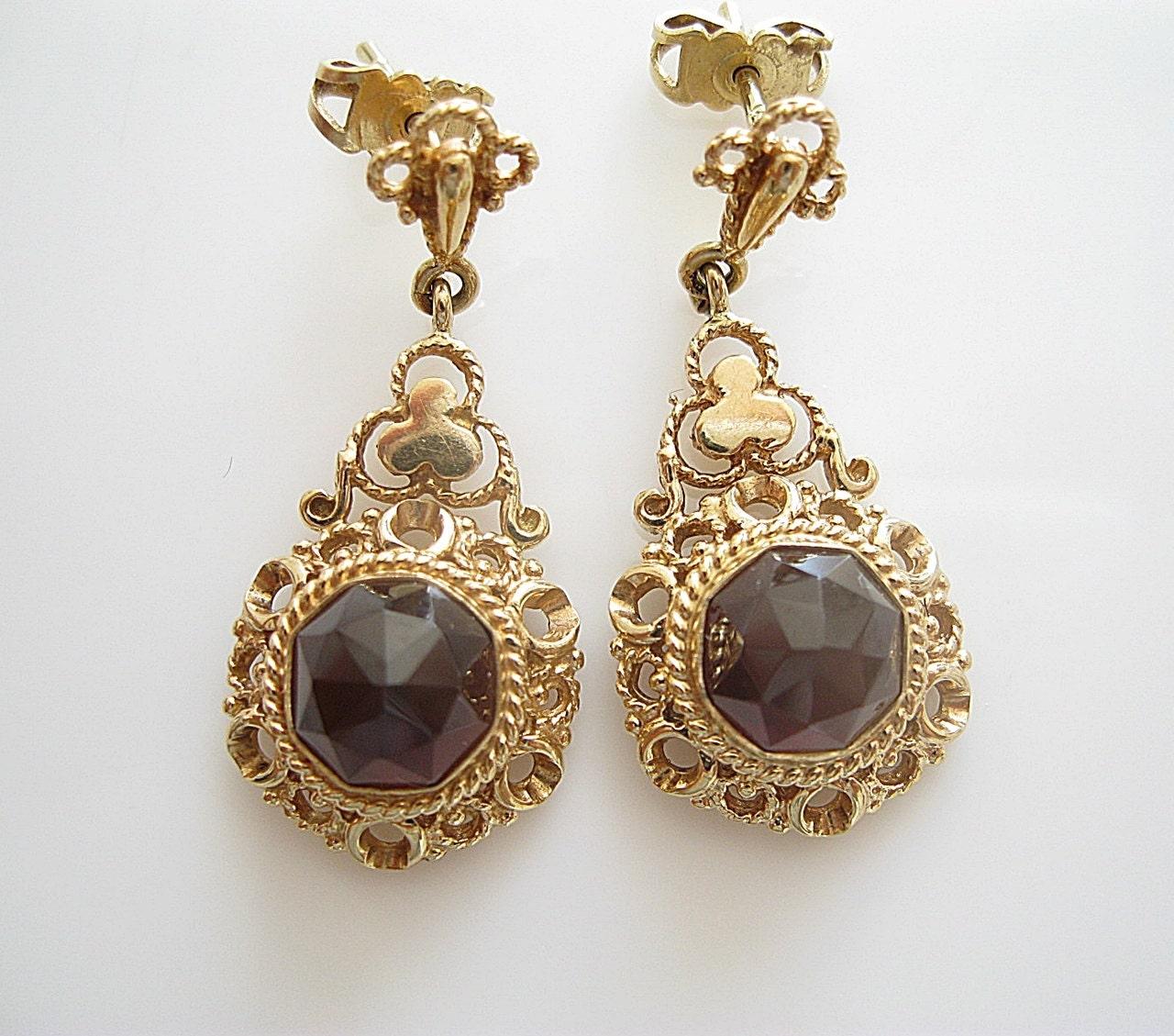 Antique gold rings : Antique garnet karat gold earrings jewelry