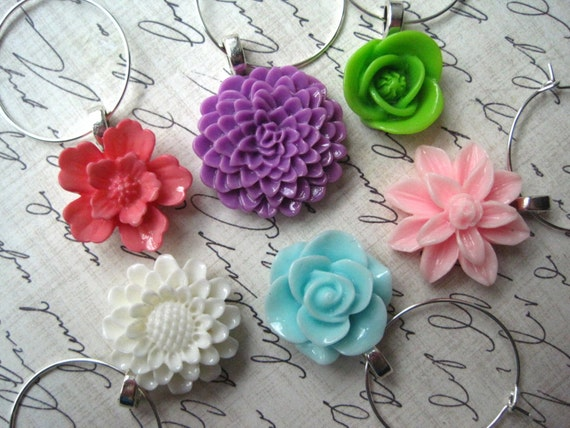 Pretty Wine Charms, Cocktail Party, Flower Wine Charms, Set of 6, Spring Decor, Housewarming Gifts, Hostess Gifts, Wedding Favors