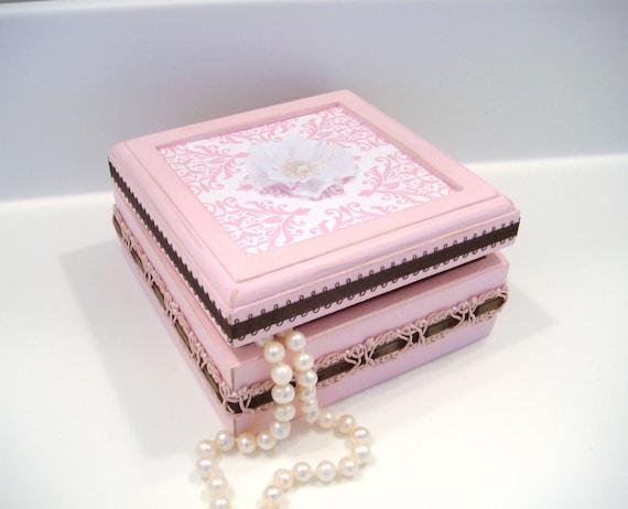 shabby chic box, trinket box, pink jewelry box,  keepsake box, girls jewelry box