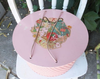 Lovely Pink Wicker Sewing Basket w/Vintage Sewing Notions/Supplies